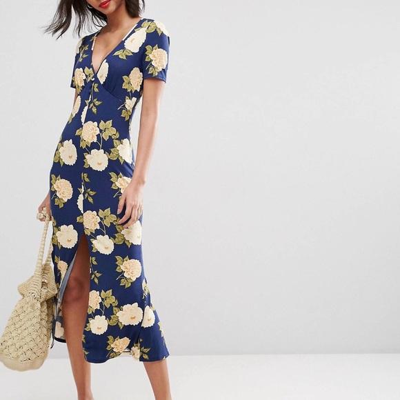 6847b4f05e3 ASOS Dresses   Skirts - ASOS Tea dress in blue floral print